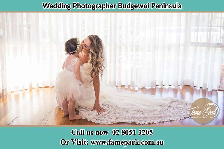 Photo of the Bride kiss the flower girl Budgewoi Peninsula NSW 2262