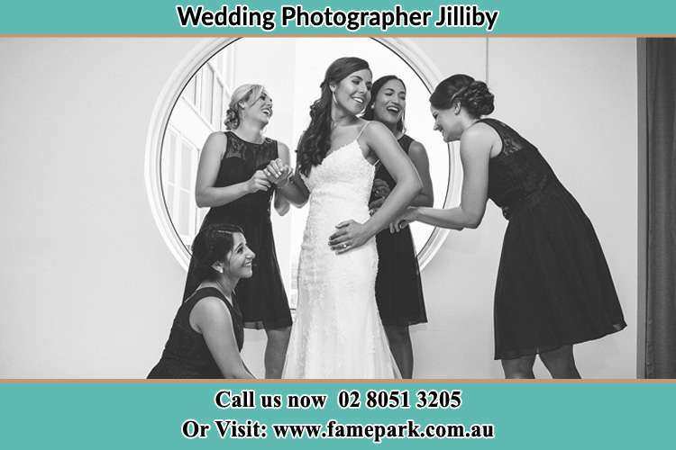 Photo of the Bride having a good laugh with the girls Jilliby