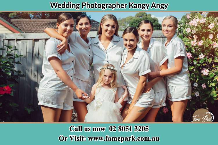 Photo of the Bride and the bridesmaids with the flower girl Kangy Angy NSW 2258