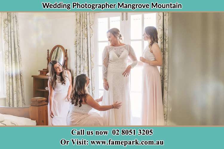 Photo of the Bride and the bridesmaids preparing Mangrove Mountain NSW 2250