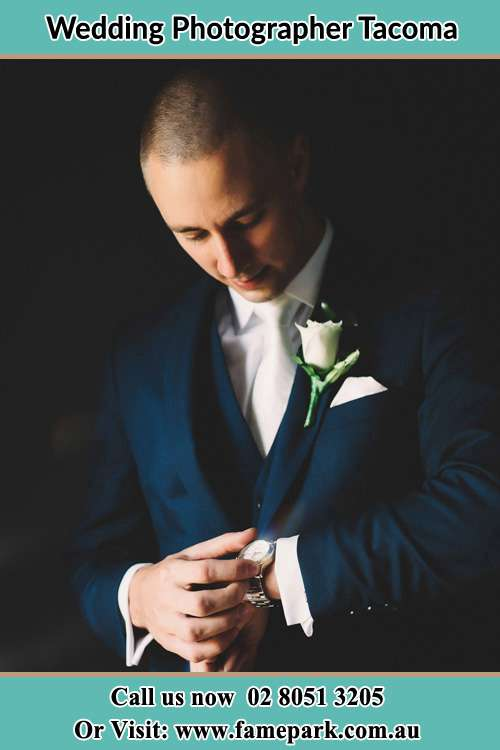 Photo of the Groom checking the time Tacoma NSW 2259