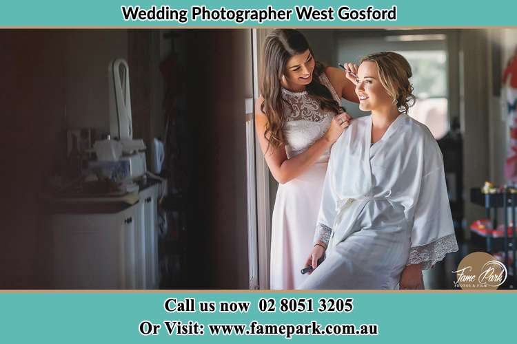 Photo of the Bride having make up West Gosford NSW 2250